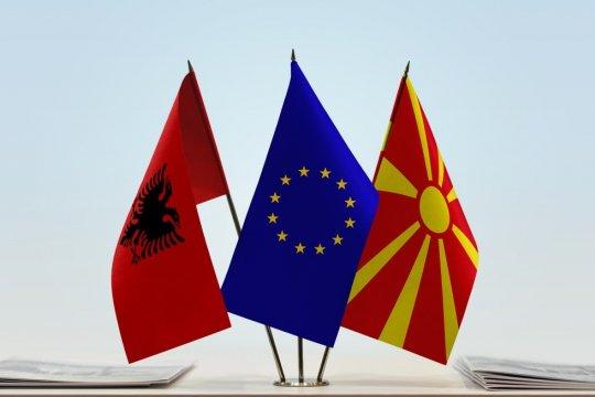 Македонию и Албанию никак не пустят даже в «предбанник» Евросоюза
