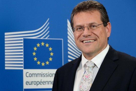 Словакия поддерживает кандидатуру М.Шефчовича