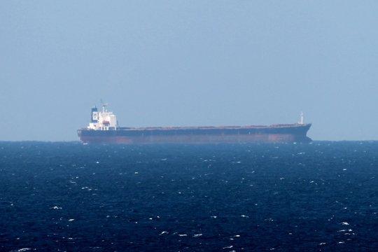 Корабли ВМС Ирана пришли на помощь нефтяному танкеру в Персидском заливе