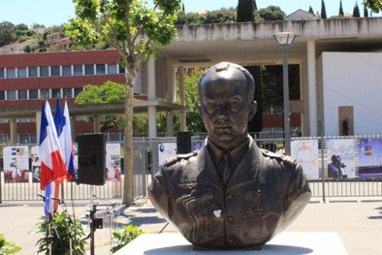 Сент-Экзюпери и память о нем в России
