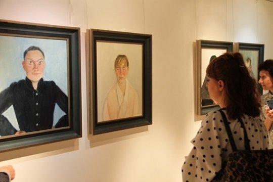 В Китайском культурном центре в Москве открылась выставка китайской живописи в стиле «сеи»