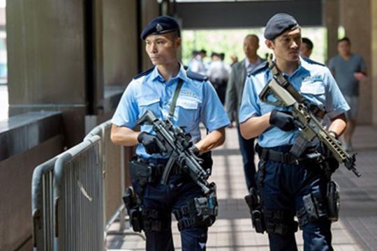 Аэропорт в Гонконге разблокирован, заложник освобожден