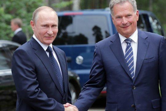 Президент Финляндии рассказал о темах переговоров с Владимиром Путиным