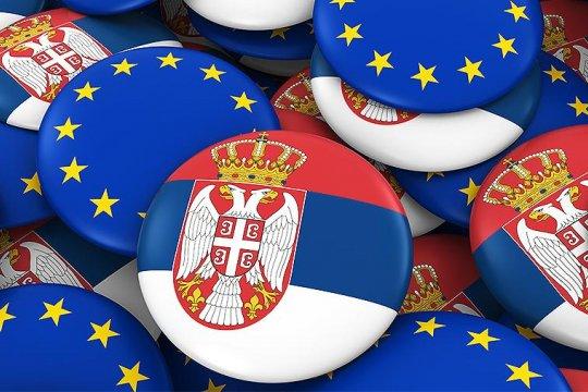 Евросоюз требует от Сербии отвернуться от России и ЕАЭС