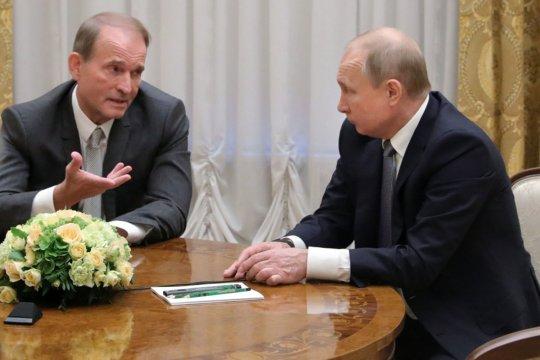 Путин и Медведчук обсудили обмен удерживаемыми лицами