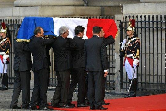 Церемония прощания с Жаком Шираком завершилась в Париже