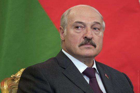 Лукашенко поручил подготовить ответ на размещение американских танков у белорусской границы