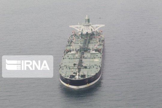 Иранский нефтяной танкер пострадал в результате ракетного обстрела