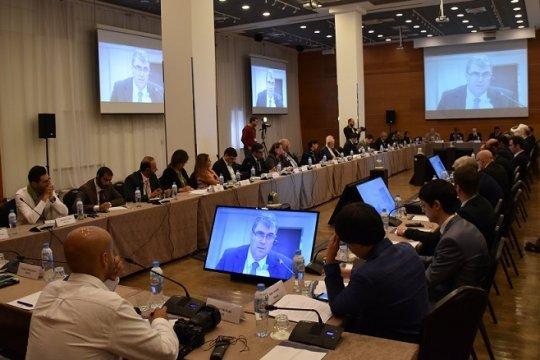 Форум в Питере призвал: «Твердо руководствоваться принципами журналистской этики, честно исполнять профессиональный долг»