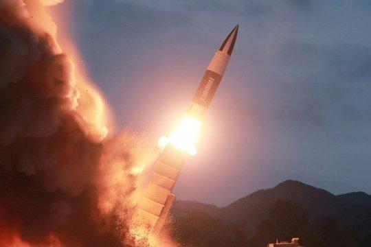 В КНДР осуществлен пуск двух ракет малой дальности