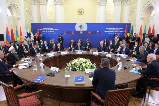 Евразийская интеграция: от экономики к построению центра силы