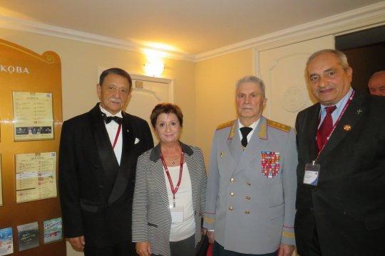 Первый русский театр собрал русский мир