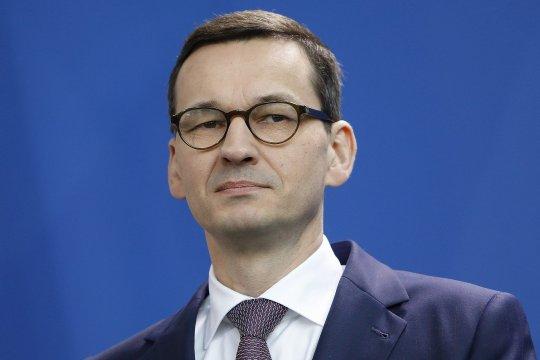 Моравецкий назвал «опасными» высказывания Макрона о НАТО