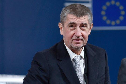 Премьер-министр Чехии  призвал обсудить договор о создании НАТО