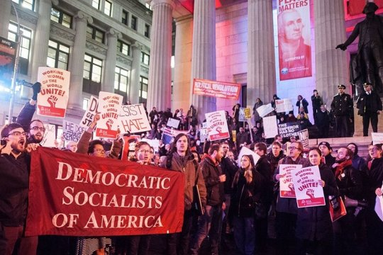 Призрак бродит по США – призрак… социализма?
