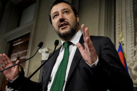 Сальвини предстанет перед судом по обвинению в незаконном лишении свободы беженцев