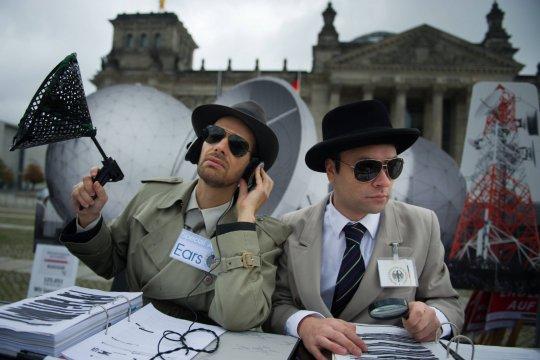 Спецслужбы США и Германии десятилетиями следили за дипломатической перепиской более 100 стран