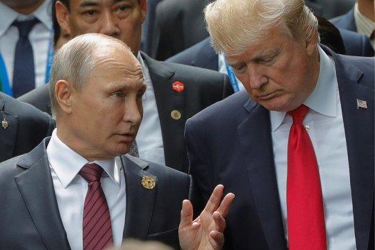 Путин и Трамп обсудили пандемию коронавируса и цены на нефть