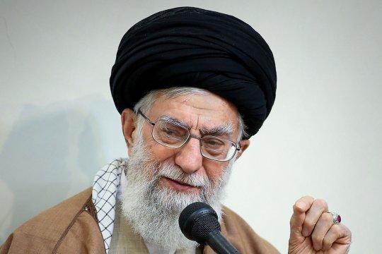 Хаменеи назвал «странным» предложение американской помощи в борьбе с коронавирусом