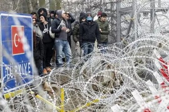 Беженцы с территории Турции  продолжают просачиваться в Грецию