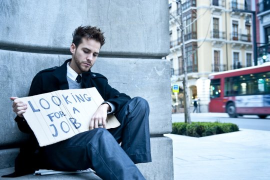 Безработные американцы столкнулись с проблемами при получении пособий