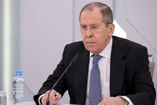 Лавров назвал немыслимыми утверждения о российском дипломате с ядом в Праге