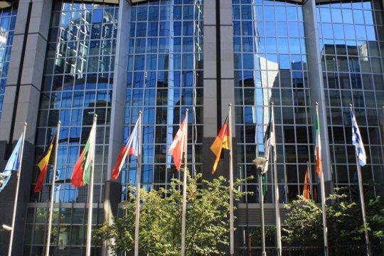 Антикризисный саммит ЕС: горячие споры о распределении денег