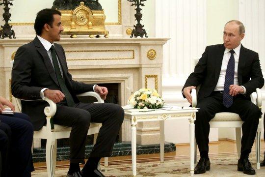Путин обсудил с эмиром Катара ситуацию на рынке нефти и обстановку в Сирии