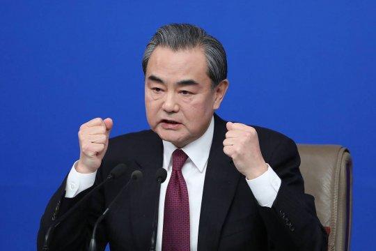 Глава МИД Китая обвинил США в подталкивании к «новой холодной войне»
