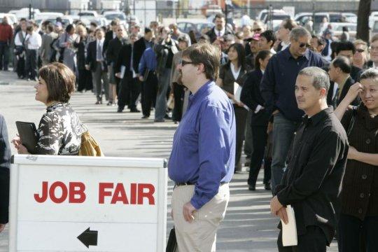Уровень безработицы в США побил рекорд со времен окончания Второй мировой войны
