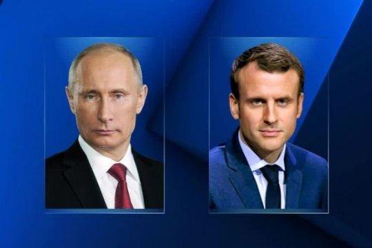Путин и Макрон провели переговоры в режиме видеоконференции