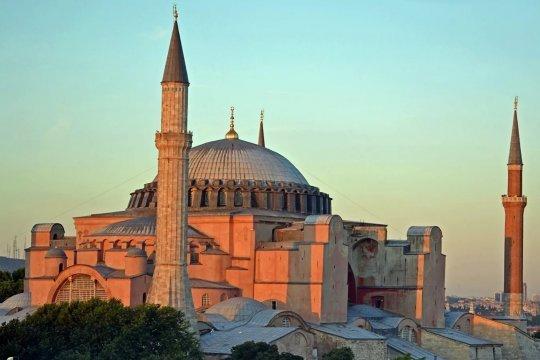 В правящей турецкой партии рассчитывают на скорое открытие Святой Софии как мечети