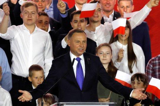 Во втором туре президентских выборов в Польше победил Анджей Дуда