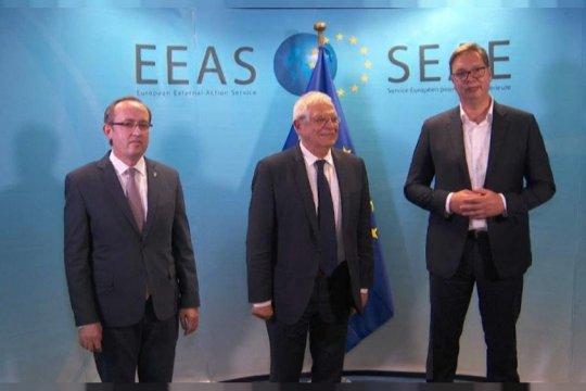Сербия и Косово «разморозили» диалог: кому это выгодно?