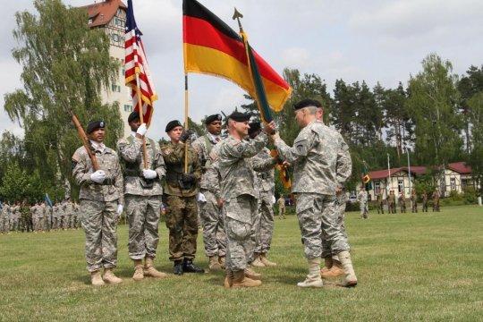 Министры обороны США и Германии обсудили частичный вывод американских войск из ФРГ