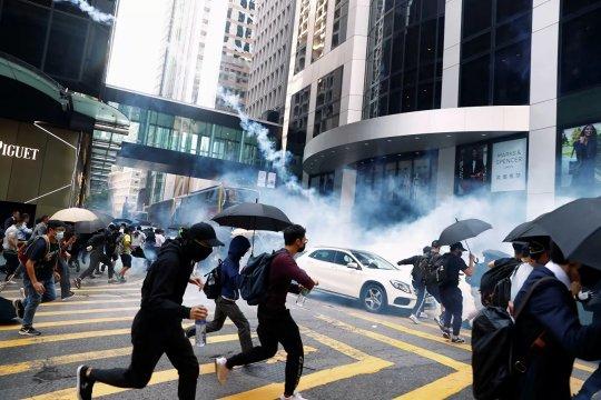 Санкционная война вокруг Гонконга – кто кого?