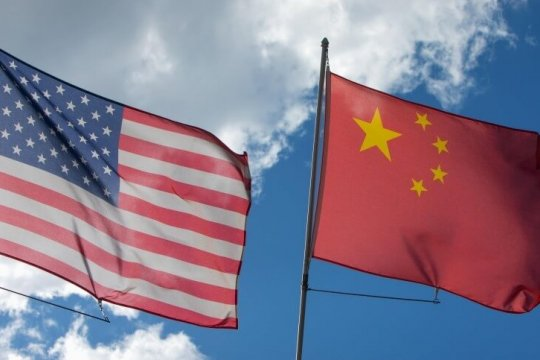 Китайские власти ввели санкции против американских законодателей
