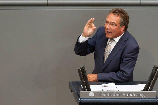 Депутат бундестага: США игнорируют интересы союзников в Европе