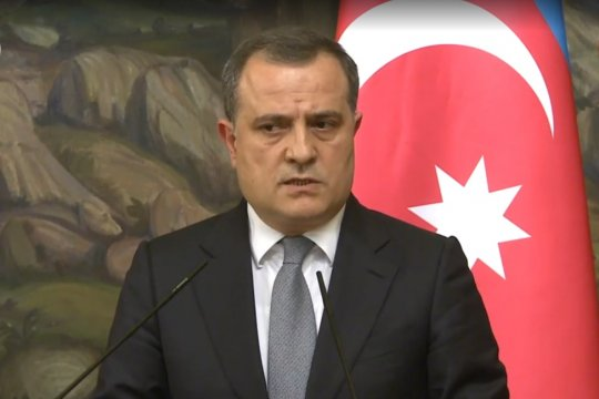 Сергей Лавров призвал Баку и Ереван активизировать переговоры