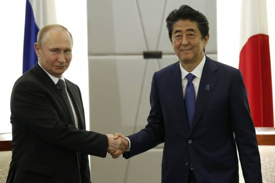 Путин поблагодарил Абэ за совместную работу