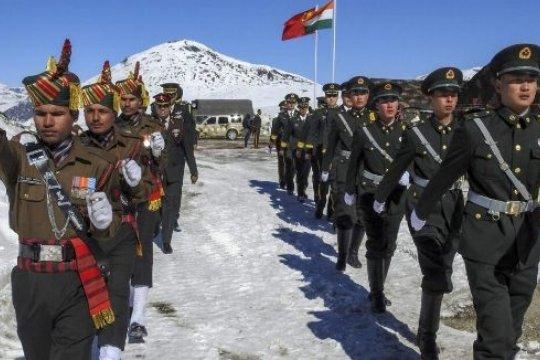 Индия и Китай договорились о разведении войск на линии контроля в Гималаях