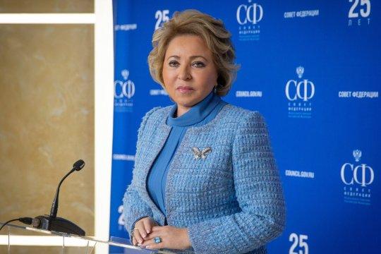 В. Матвиенко встретилась с главой Коллегии Евразийской экономической комиссии М. Мясниковичем