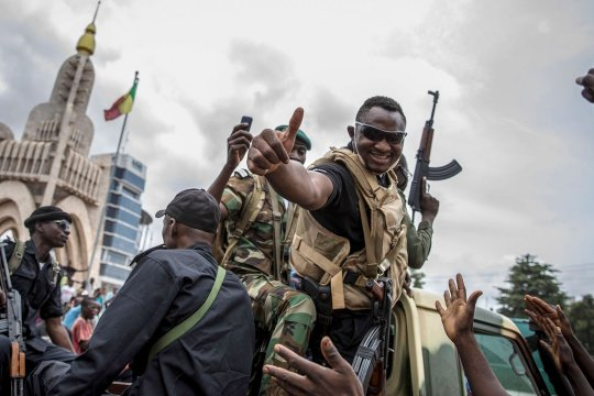 Может ли военный переворот в 21-м веке привести государство к стабильности?