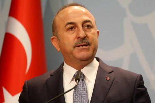 Чавошоглу заявил о готовности поддержать Азербайджан в конфликте с Арменией на поле боя