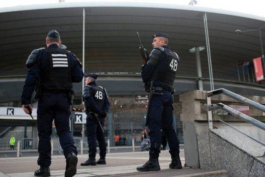 Во Франции начались полицейские операции против исламистов и их структур