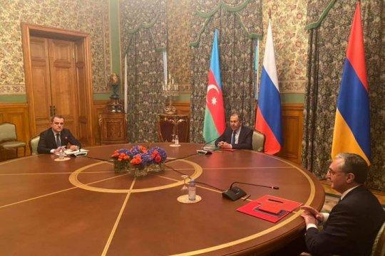 В Москве начались переговоры глав МИД Армении и Азербайджана