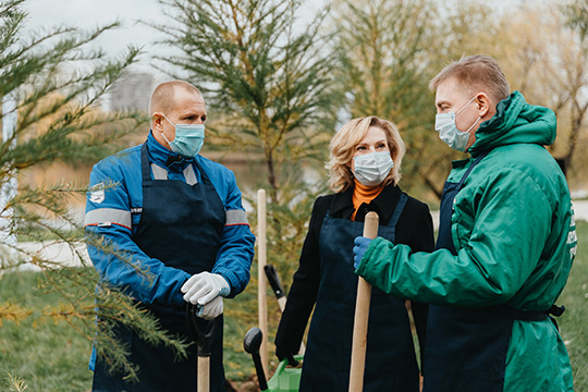 И. Святенко приняла участие в эколого-патриотической акции, посвященной 75-летию Победы в Великой Отечественной войне