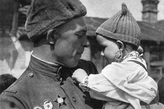 Дина Аманжолова: «В Победу над нацизмом внесли вклад все народы Советского Союза»
