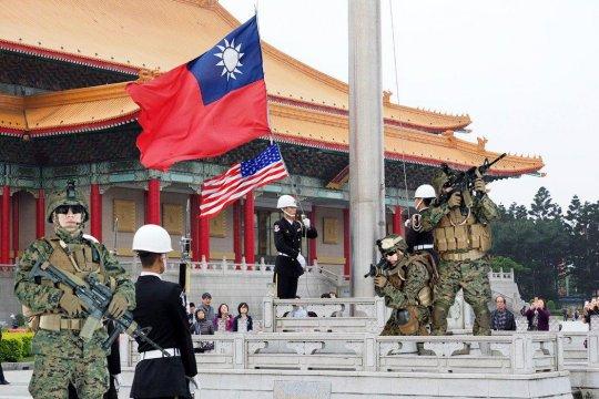 Китайские власти введут санкции против американских фирм за продажу оружия Тайваню
