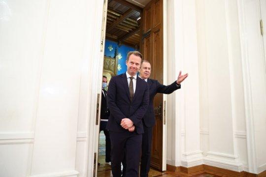Лавров сравнил Навального со Скрипалями